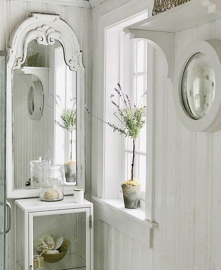 french farmhouse style white room decor