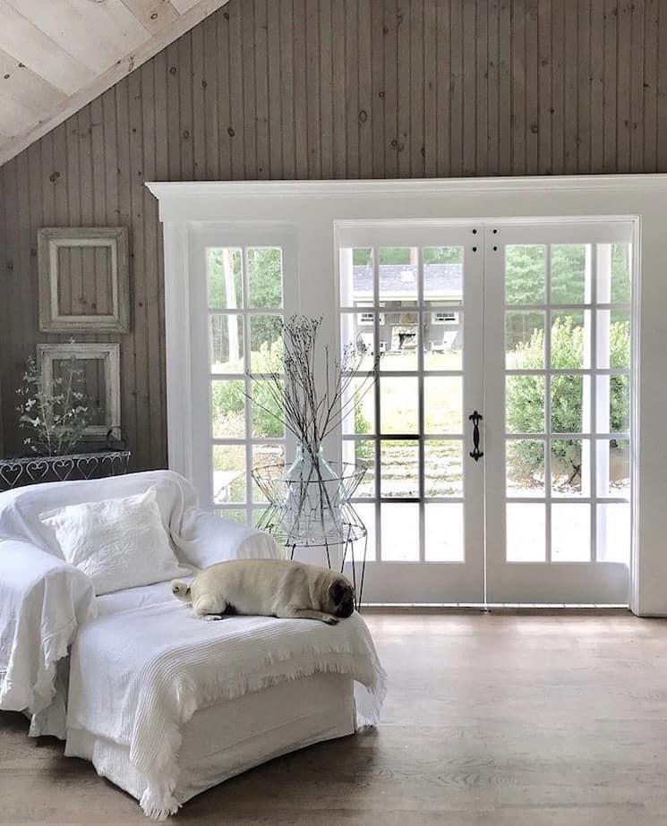 New England style decor rhouse