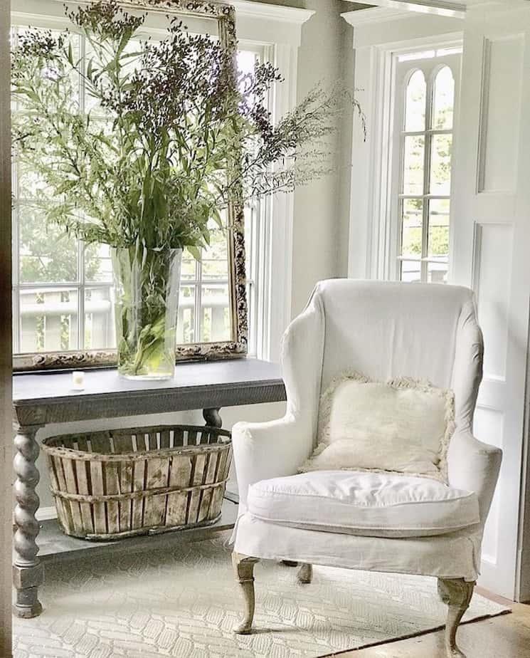 entryway farmhouse style
