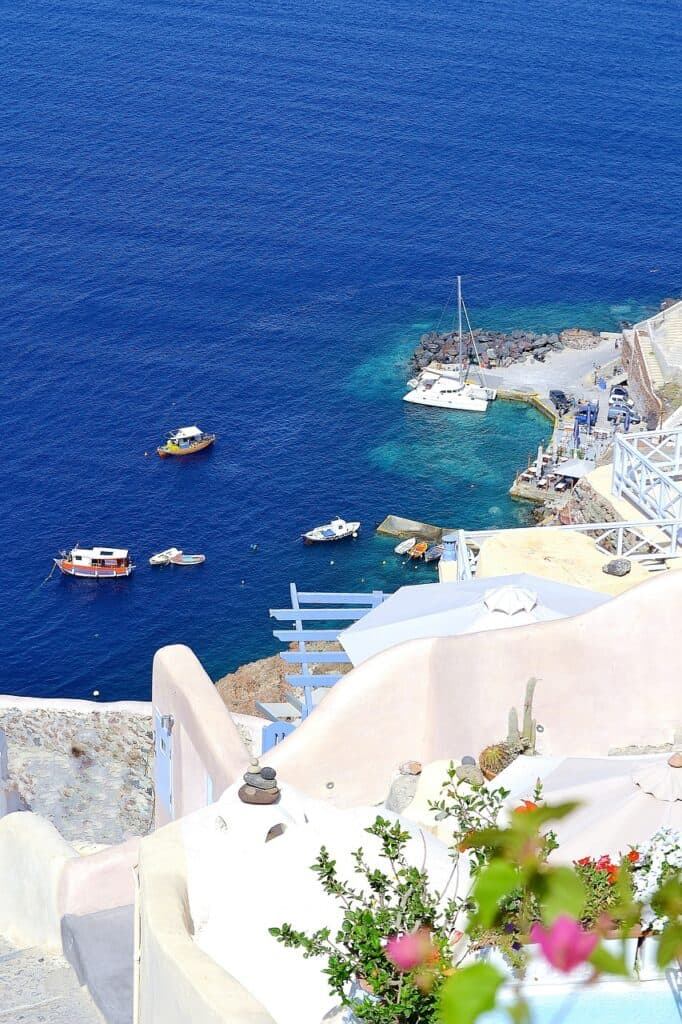 santorini travel like a local