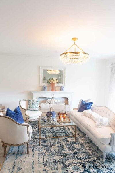 fall living room in blue
