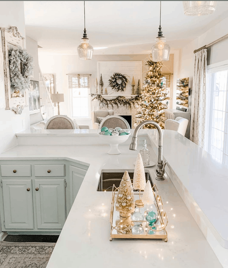 french farmhouse kitchen at christmas