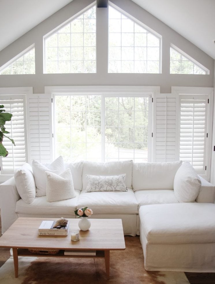 Pacific Northwest Home Tour white decor in the great room