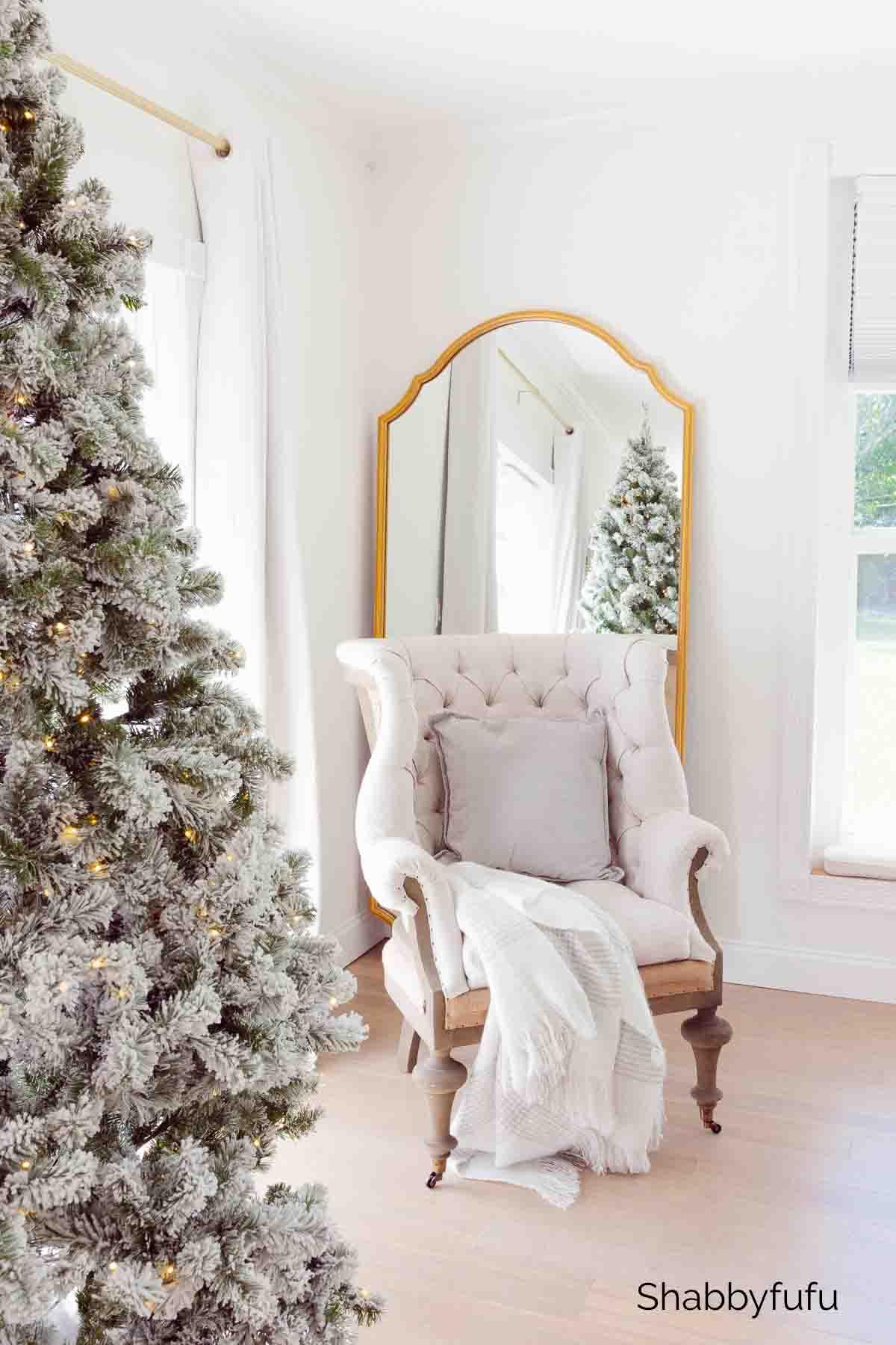 Christmas décor master bedroom Shabbyfufu