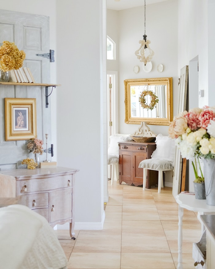 french country cottage style foyer
