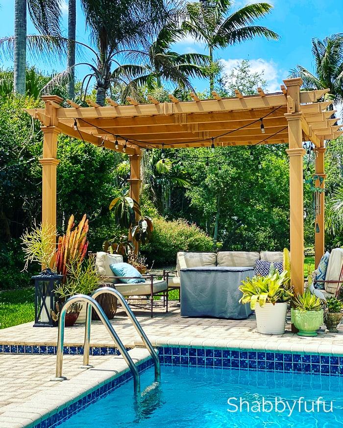 outdoor pergola and palm trees shabbyfufu.com