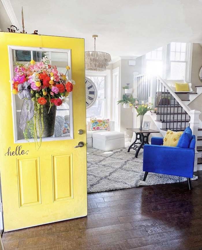 colorful farmhouse home tour at shabbyfufu.com