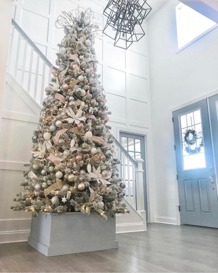foyer at Christmas open floor plan