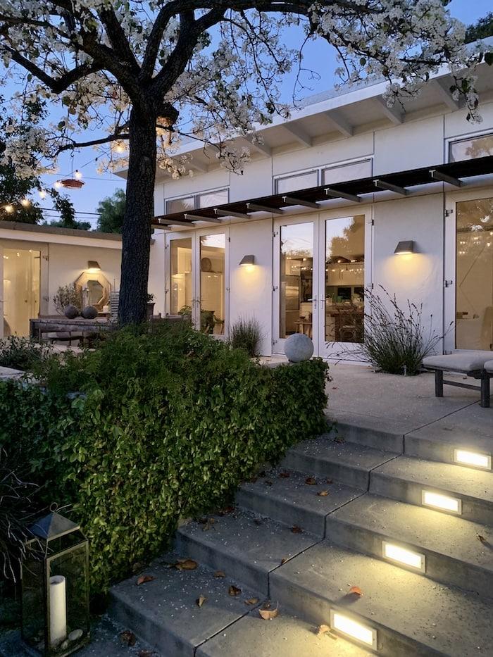 modern California small house design