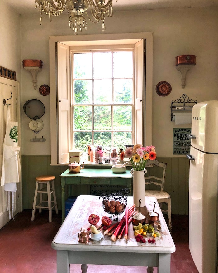 vintage shabby chic kitchen English country decor