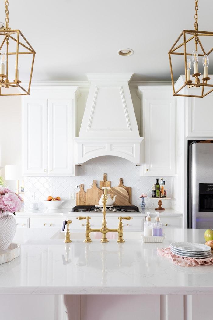 elegant modern white and gold kitchen