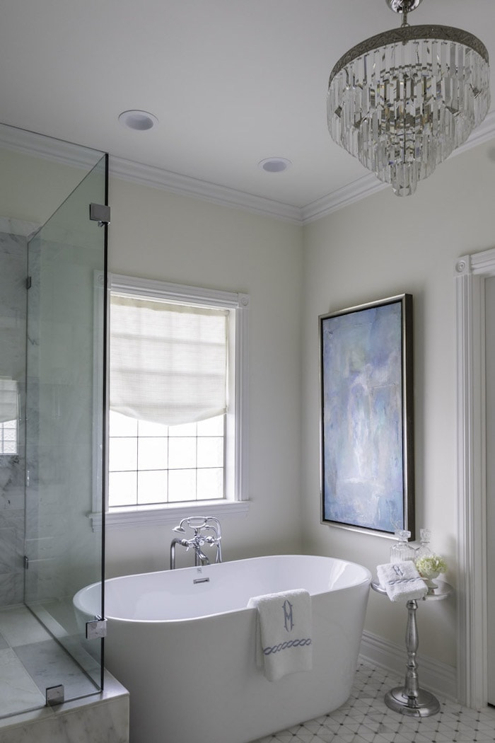 elegant master bathroom soaking tub