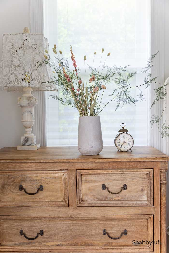 dried flowers French farmhouse style