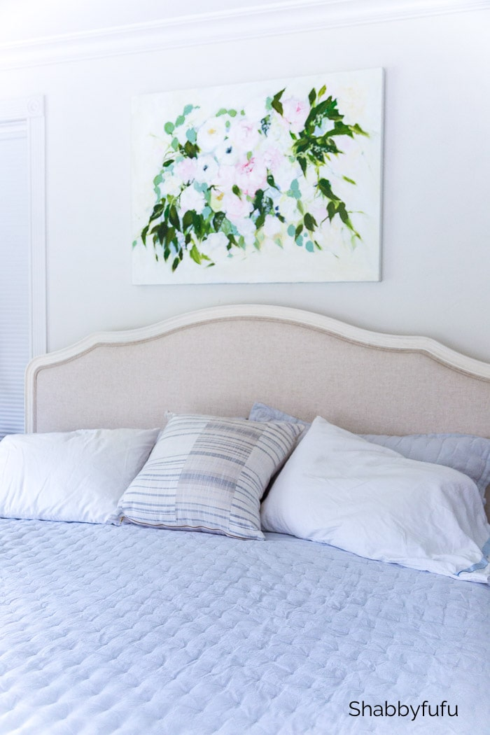 bedding decorate with calming colors
