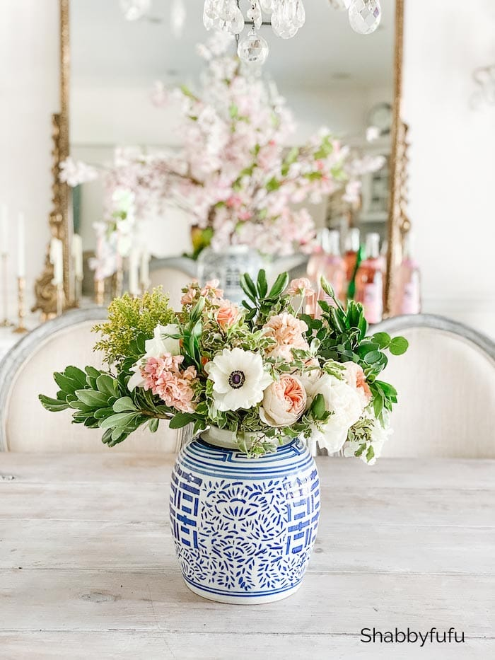 decorate with calming colors flower arranging
