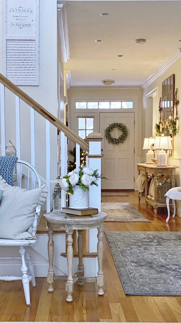 urban cottage empty nester home entry