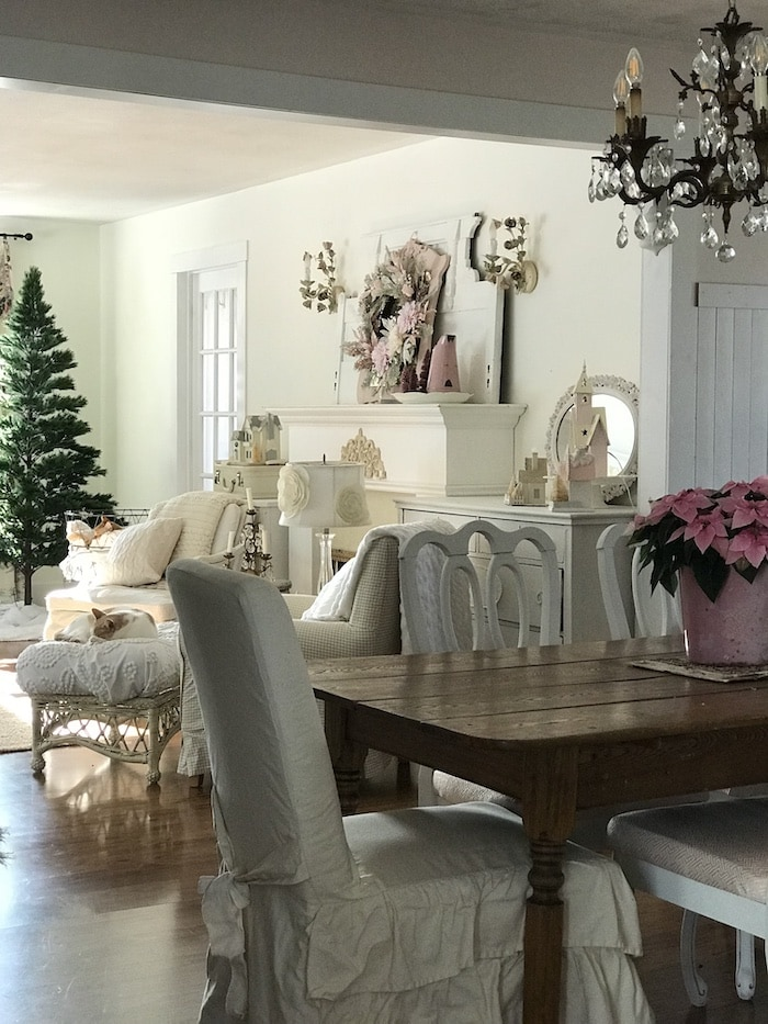 country farmhouse dining and living room