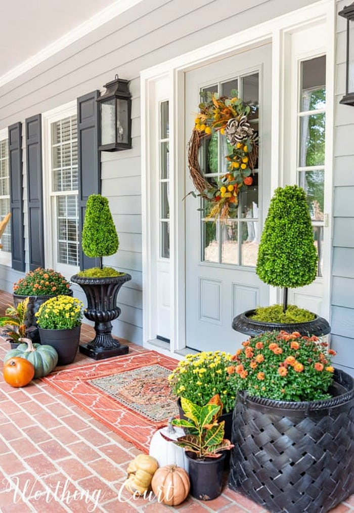 Tips for Decorating Your Fall Front Porch