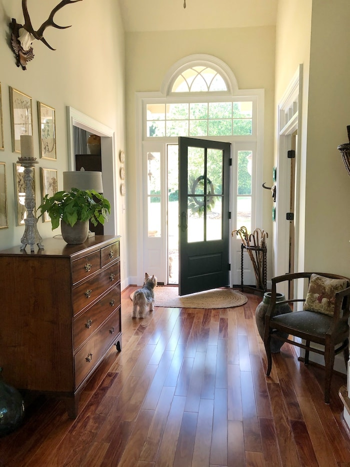 French farmhouse style front entry foyer