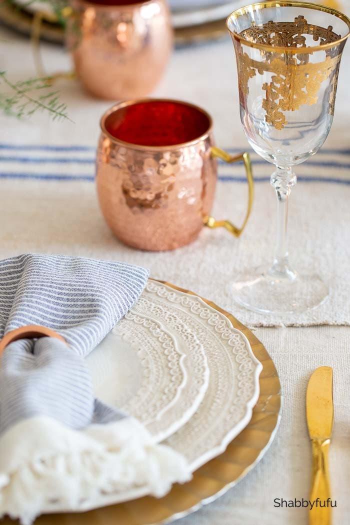European rustic decor with Arte Italica dinner plates shabbyfufu