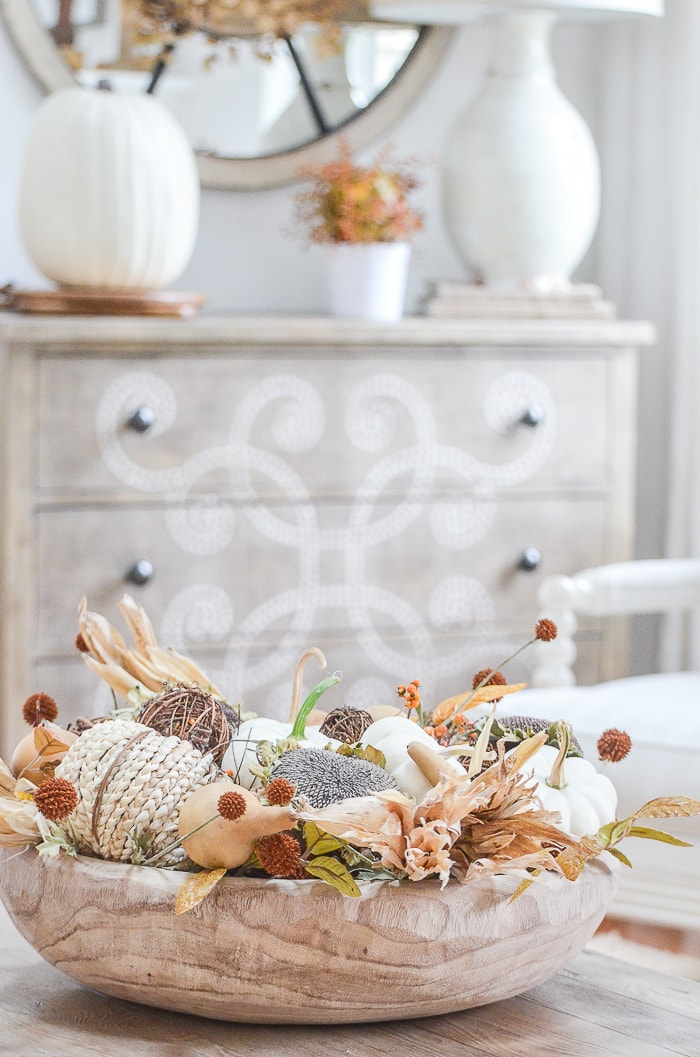 neutral fall bowl decor