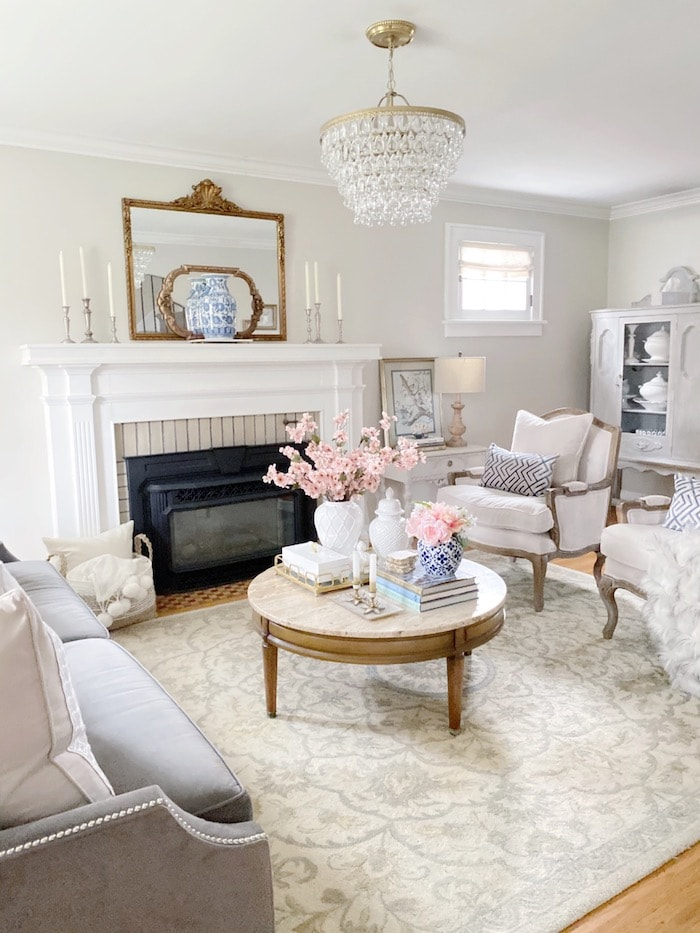 casual elegance in the living room