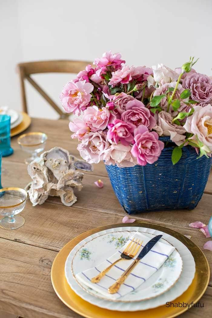 simple Friendsgiving ideas coastal table