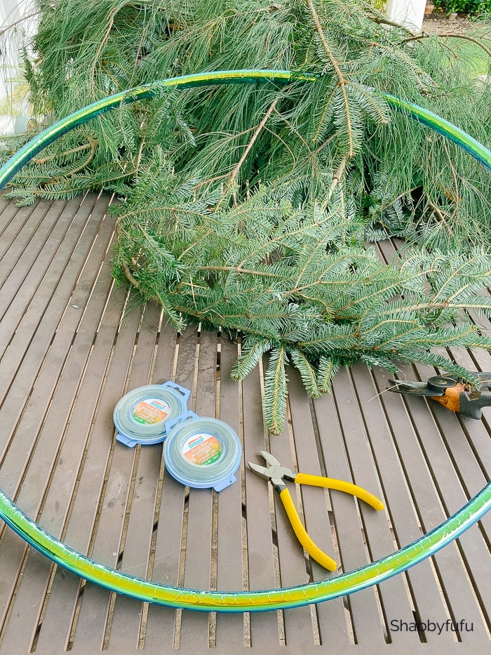 Process Make A Christmas Wreath From Free Tree Scraps