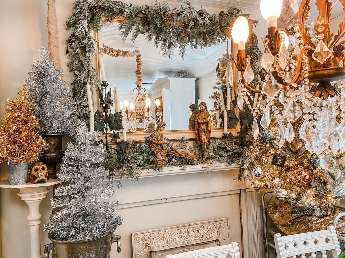 vintage French Christmas mantel
