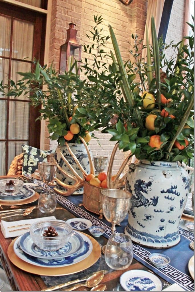 Tablescape using blue and white dishes
