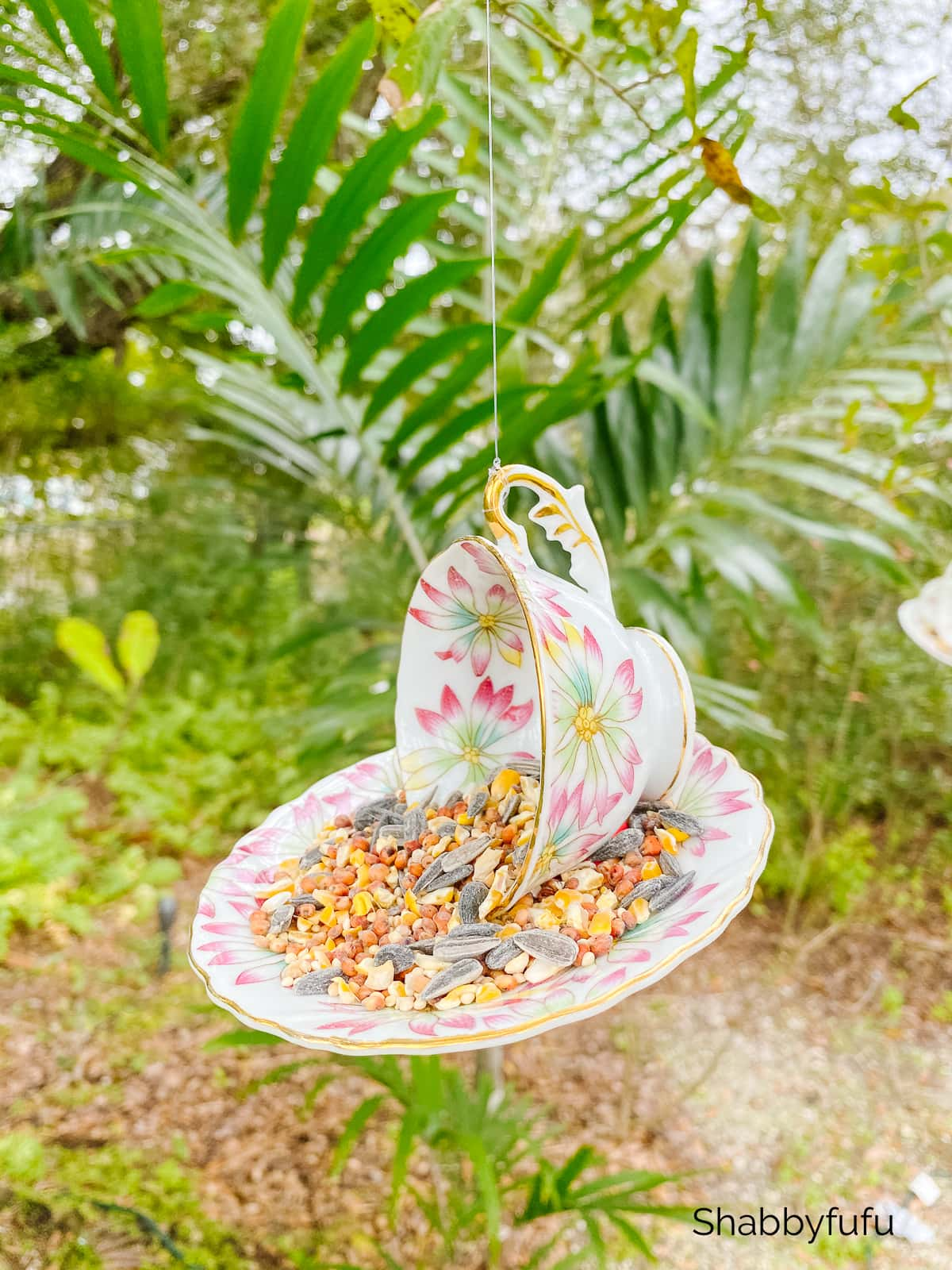easy teacup birdfeeder