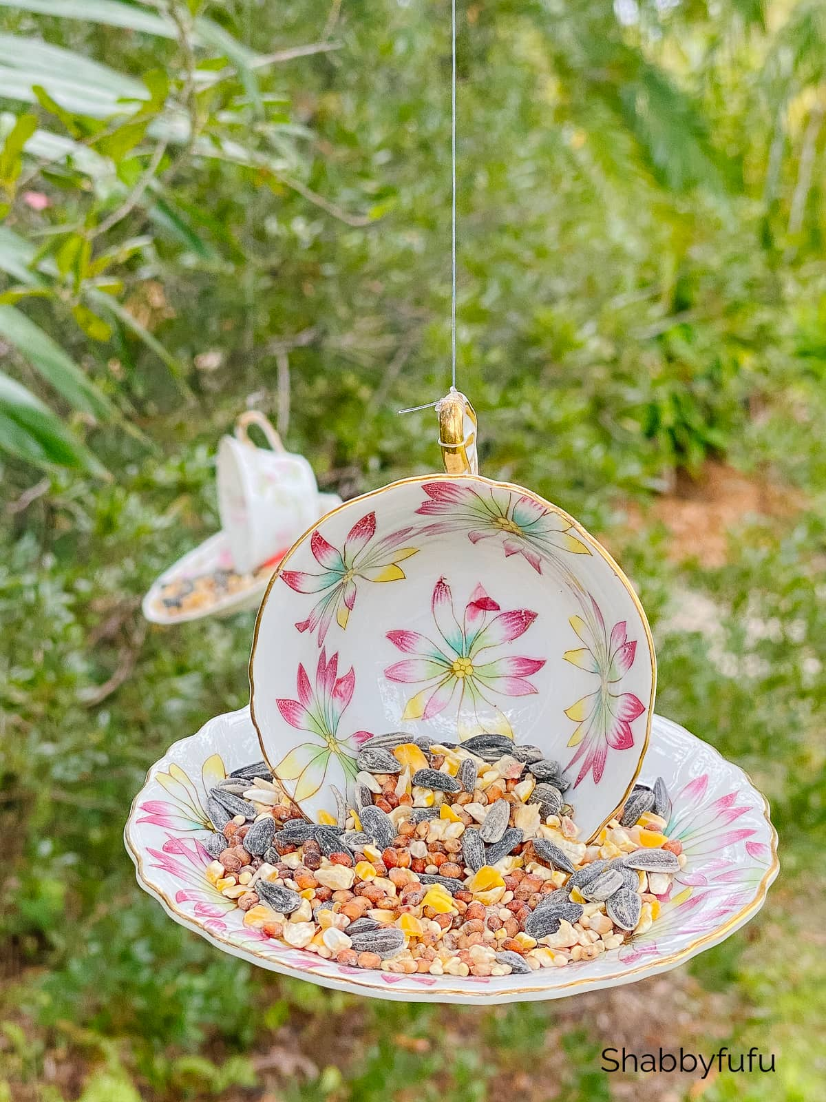 easy teacup bird feeder
