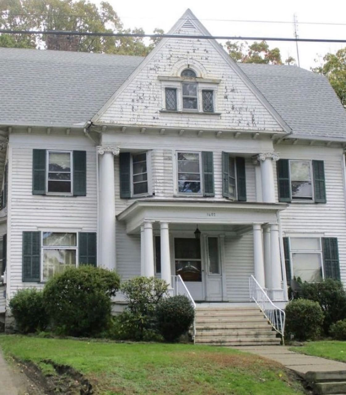before shot exterior Tori Donahue home