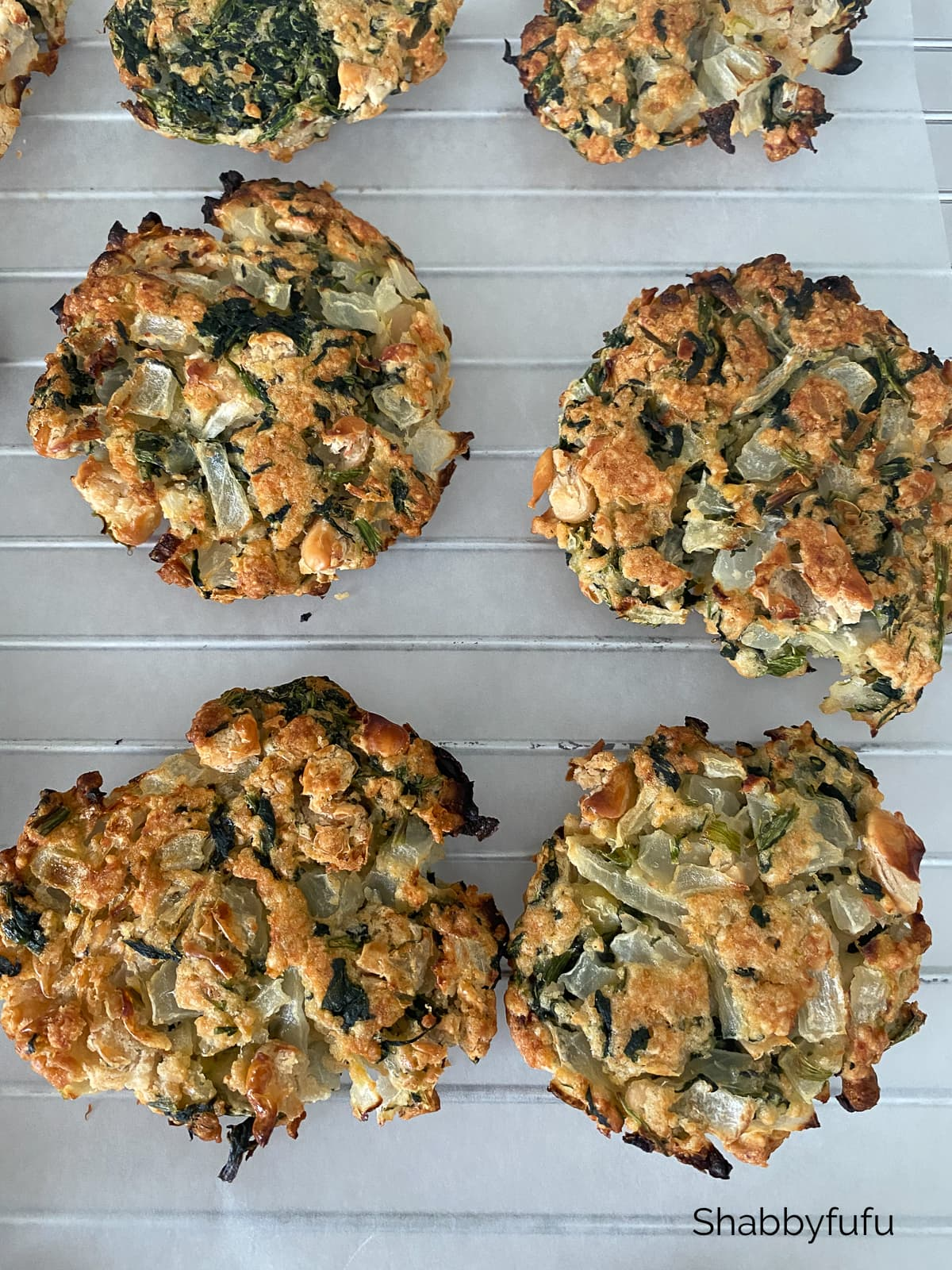 White bean and spinach burgers