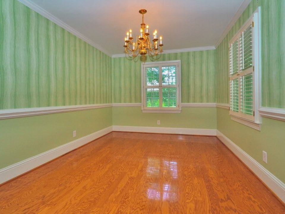 dining room in a southern home