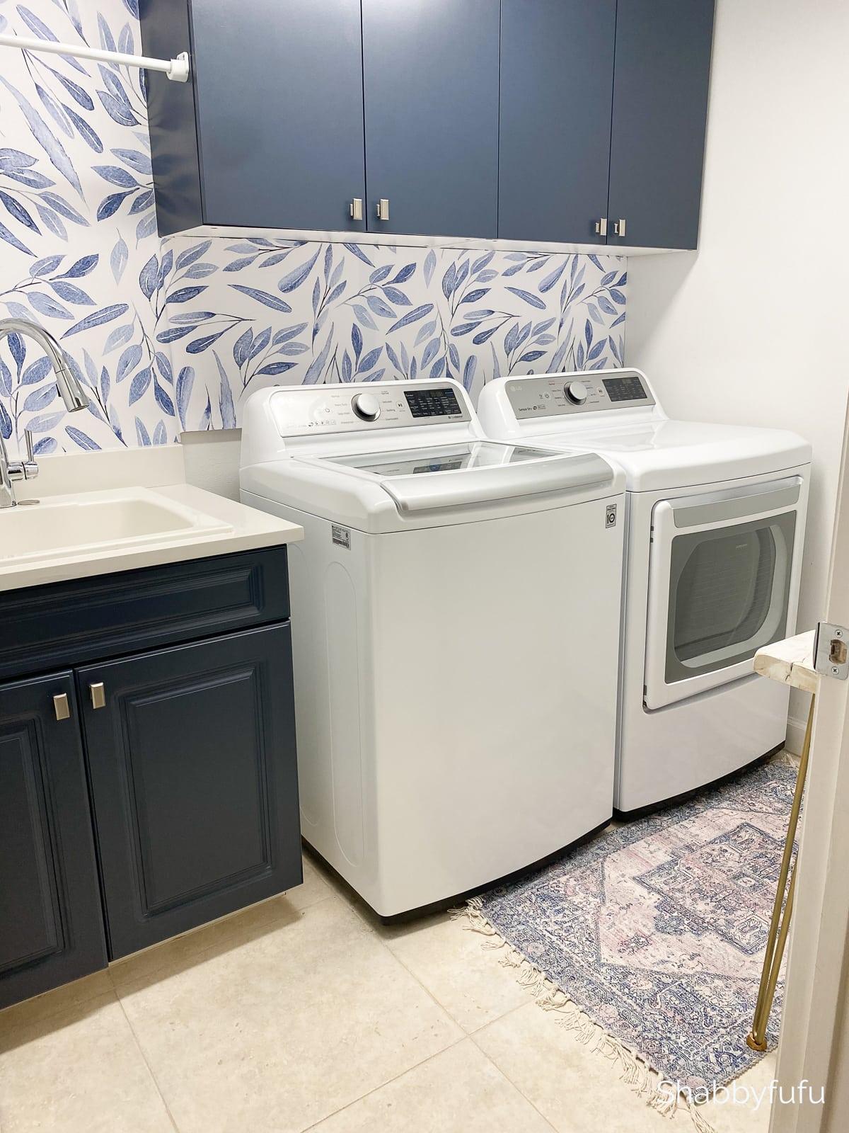 Benjamin Moore Hale Navy in a laundry room