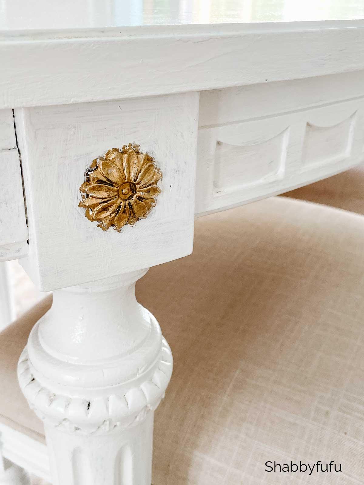 Gustavian table details