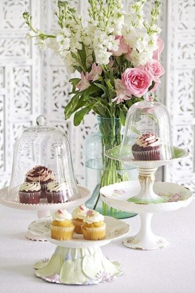 Creative-Ways-To-DIY-A-Cupcake-Stand-Shabbyfufu