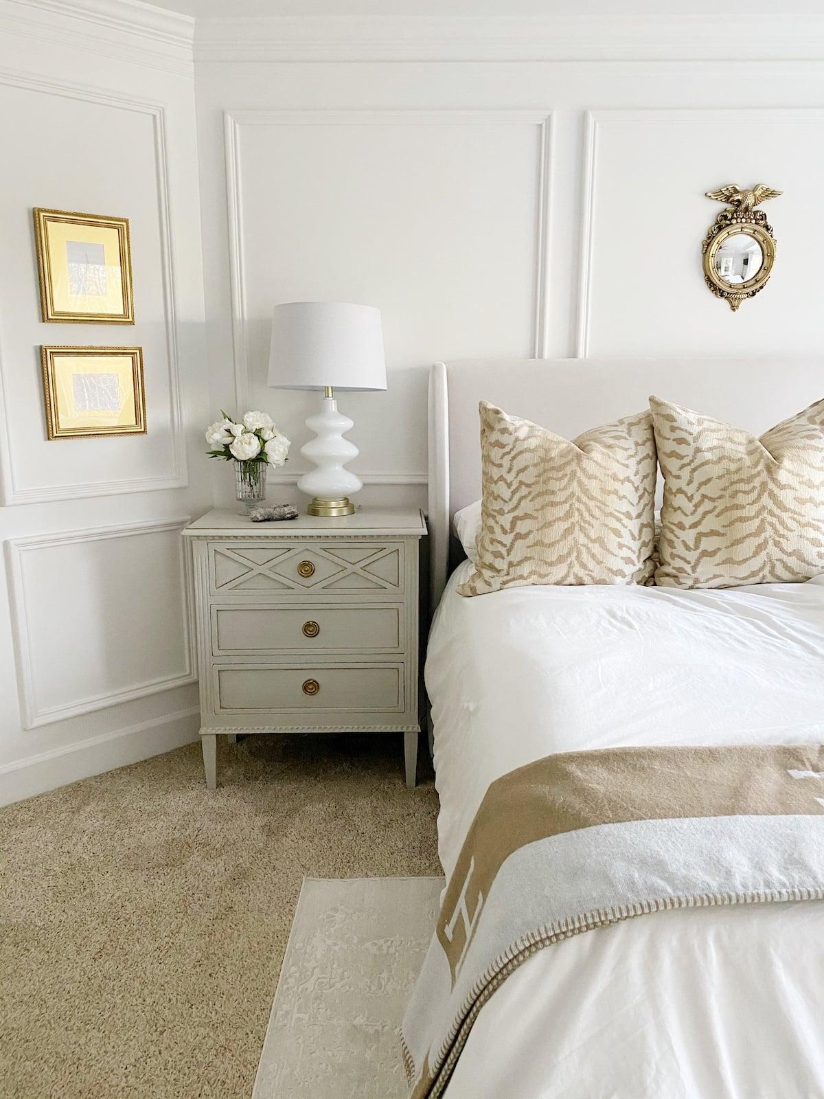 elegant transitional grandmillennial home