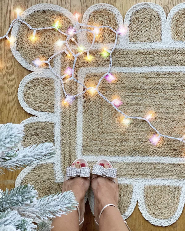scalloped jute rug
