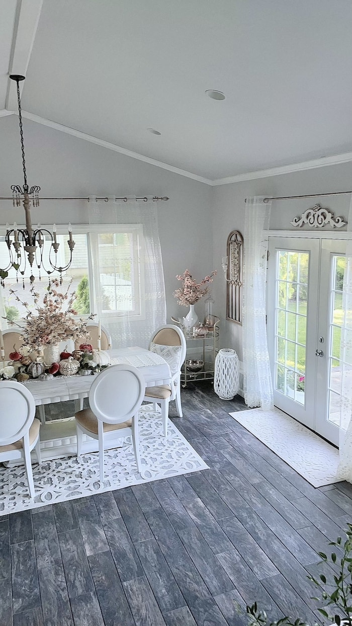 suburban fixer upper dining room