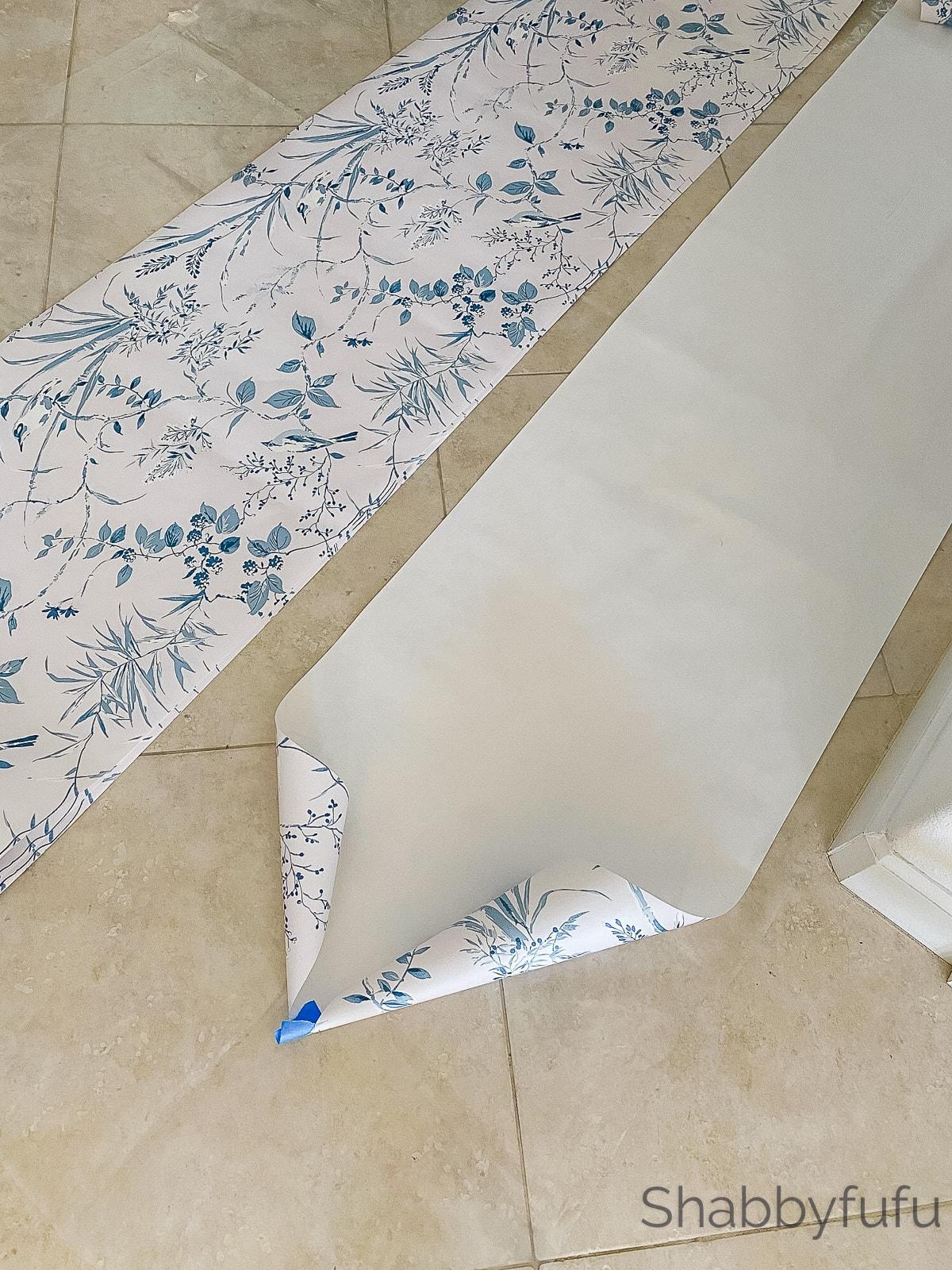 wallpapering layout
